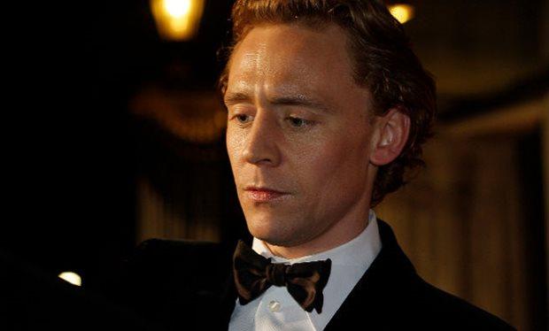 Tom_Hiddleston_filming_Crimson_Peak_in_Toronto