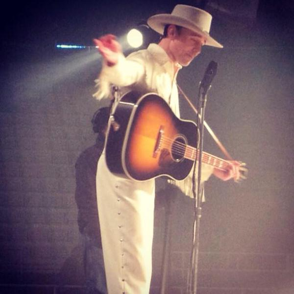 Tom Hiddleston as Hank Williams. Image from 'I Saw The Light' movie set. Source http://instagram.com/p/vhQjUULcbz/  (via Torrilla)  1:24 AM - 18 Nov 2014