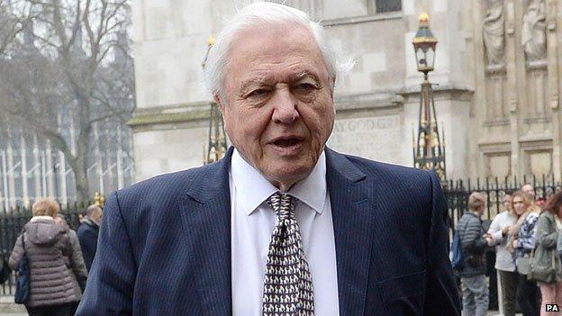 Sir David Attenborough leyó  algunas de las propias palabras de su hermano en la ceremonia
